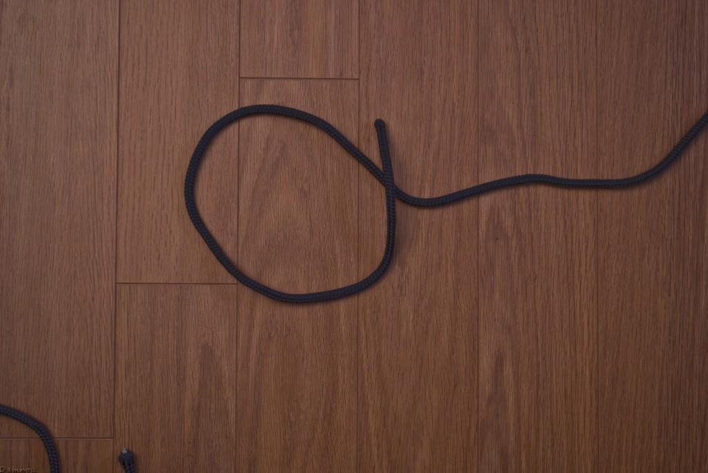 Première étapes du noeud simple