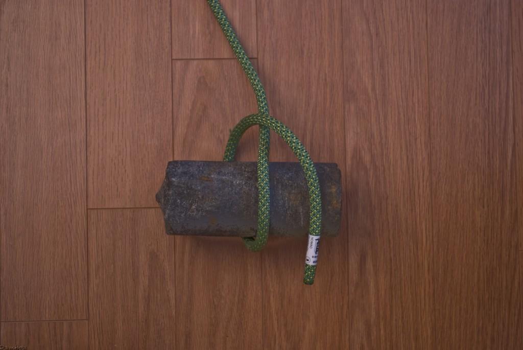 Deuxième étape du noeud de cabestan